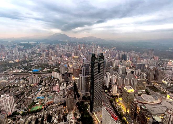 深圳市龙岗中心商铺+1100个停车位2.3亿转让(估值8亿)(更新)[ 资产编号:ZC627]