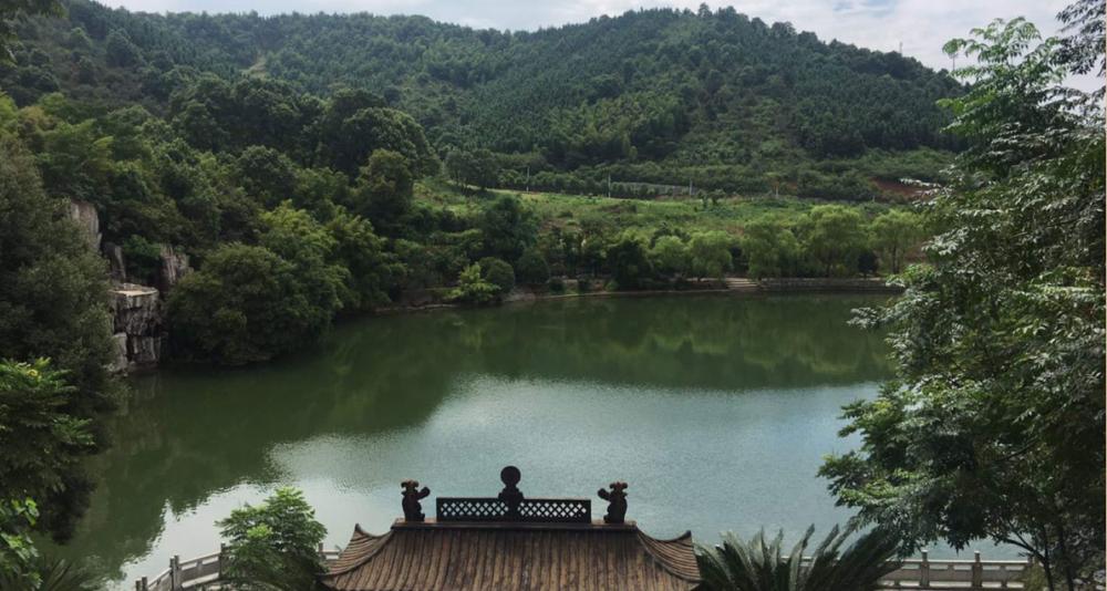 湖南省郴州市某著名景区旁90亩别墅项目急融8000万(居间费高)[项目编号:XM2200]