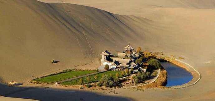 甘肃省敦煌市月牙泉附近某星级酒店及土地6000万整体转让