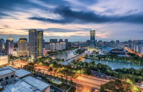 浙江省杭州市杭州黄龙甲级商务圈166套顶级公寓项目6亿整体转让[ 资产编号:ZC787]