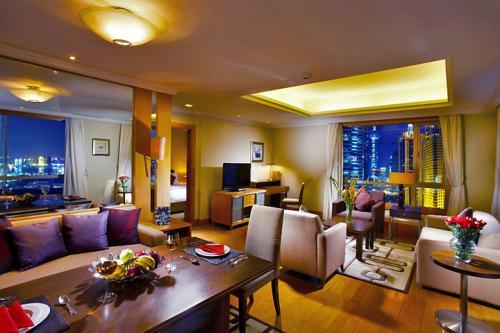 上海市长宁区古北新区某酒店公寓2.5亿整体转让