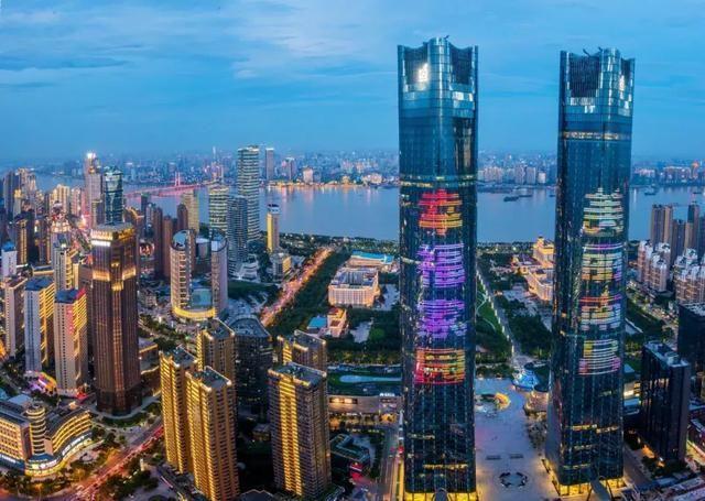 江西省南昌市红谷滩CBD某新建商业综合体11.1亿整体出售[ 资产编号:ZC871]