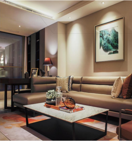 重庆市解放碑某地标建筑内105套豪华装修公寓4.5亿整体出售[ 资产编号:ZC894]